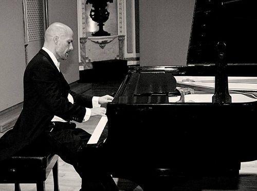 Contratar pianista
