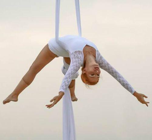 Contratar espectáculo acrobático